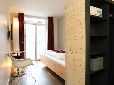 Hotel Schweizerhof Sils | Einzelzimmer mit Balkon